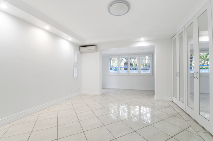 Here is a photo of last week's completed tiling job in Echuca with white porcelain tiles. Visit our page for full details on each project. See more of our photos at www.Echucatiling.com.au.