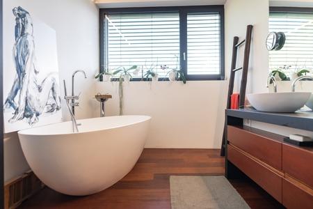 Bathroom renovation we completed in Echuca with wood look porcelain tiles