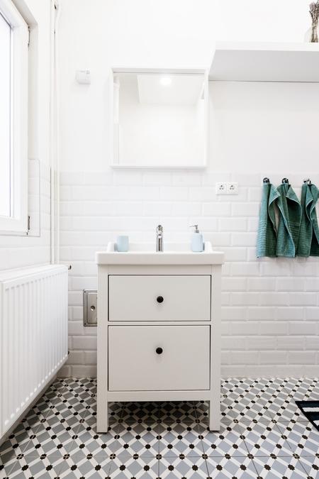 Bathroom tiling job done in Echuca with geometric pattern floor tiles